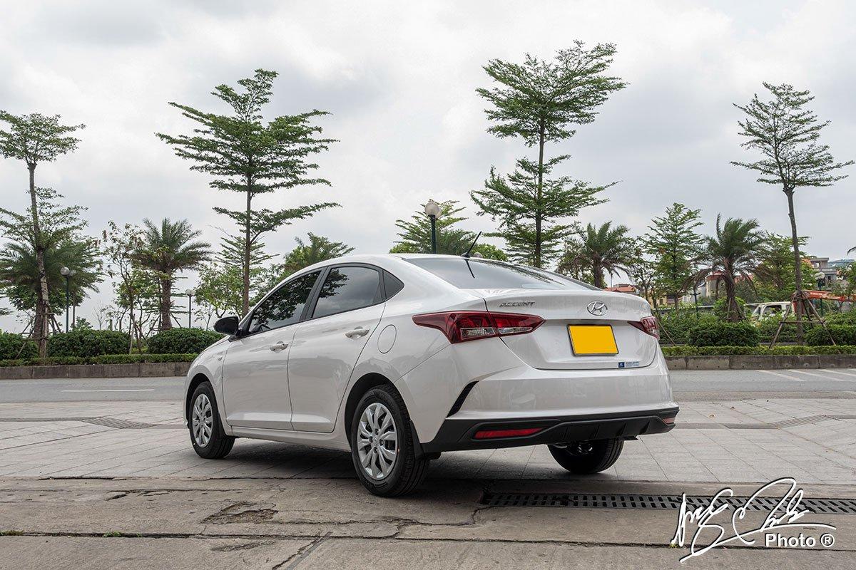 Soi chi tiết Hyundai Accent 1.4MT tiêu chuẩn 2021, giá hơn 400 triệu đồng đấu Vios, City a7