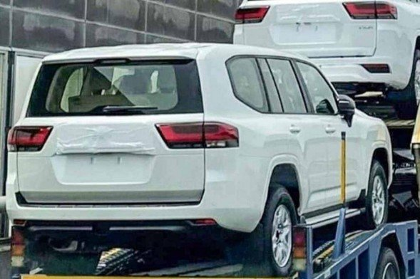 Toyota Land Cruiser thế hệ mới được trang bị động cơ dung tích 3.5 lí 1