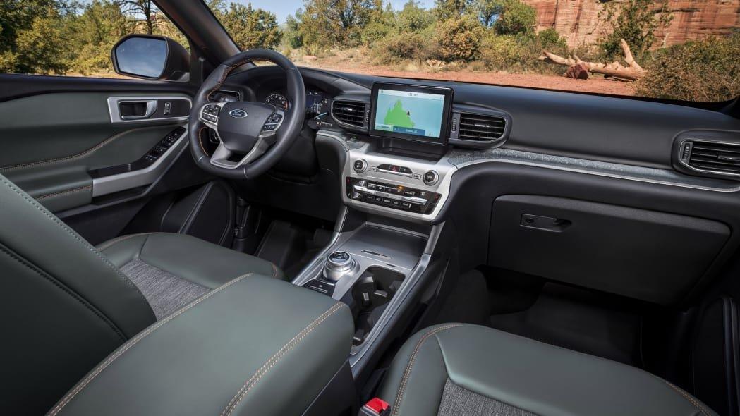 Nội thất Ford Explorer 2021 Timberline hiện đại và đầy đủ tiện nghi.