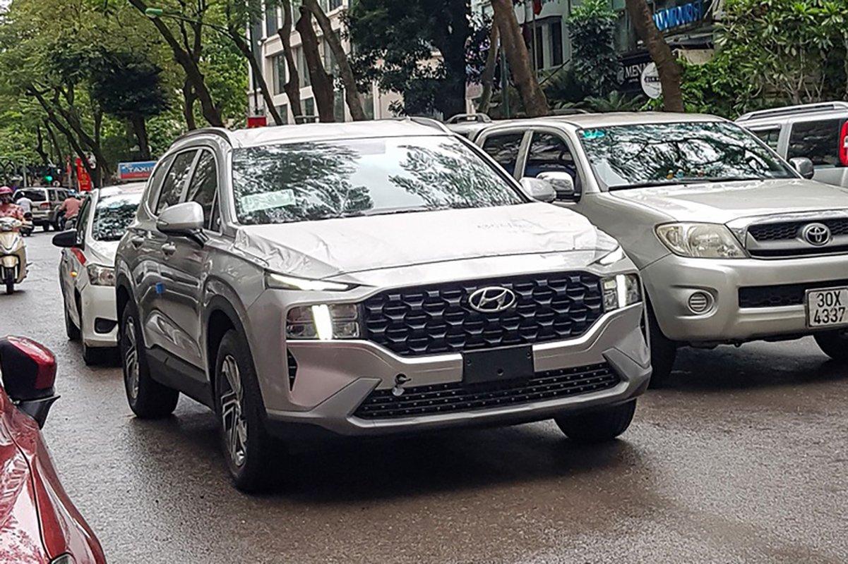 Hyundai Santa 2021 bản ngân hàng bất ngờ xuất hiện trên phố.