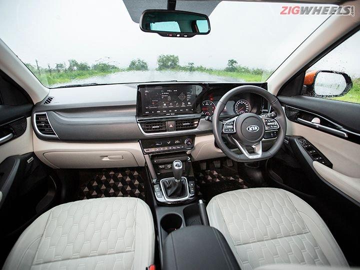 Kia Seltos 2021 tích hợp các tính năng cao cấp vào các biến thể tầm trung.