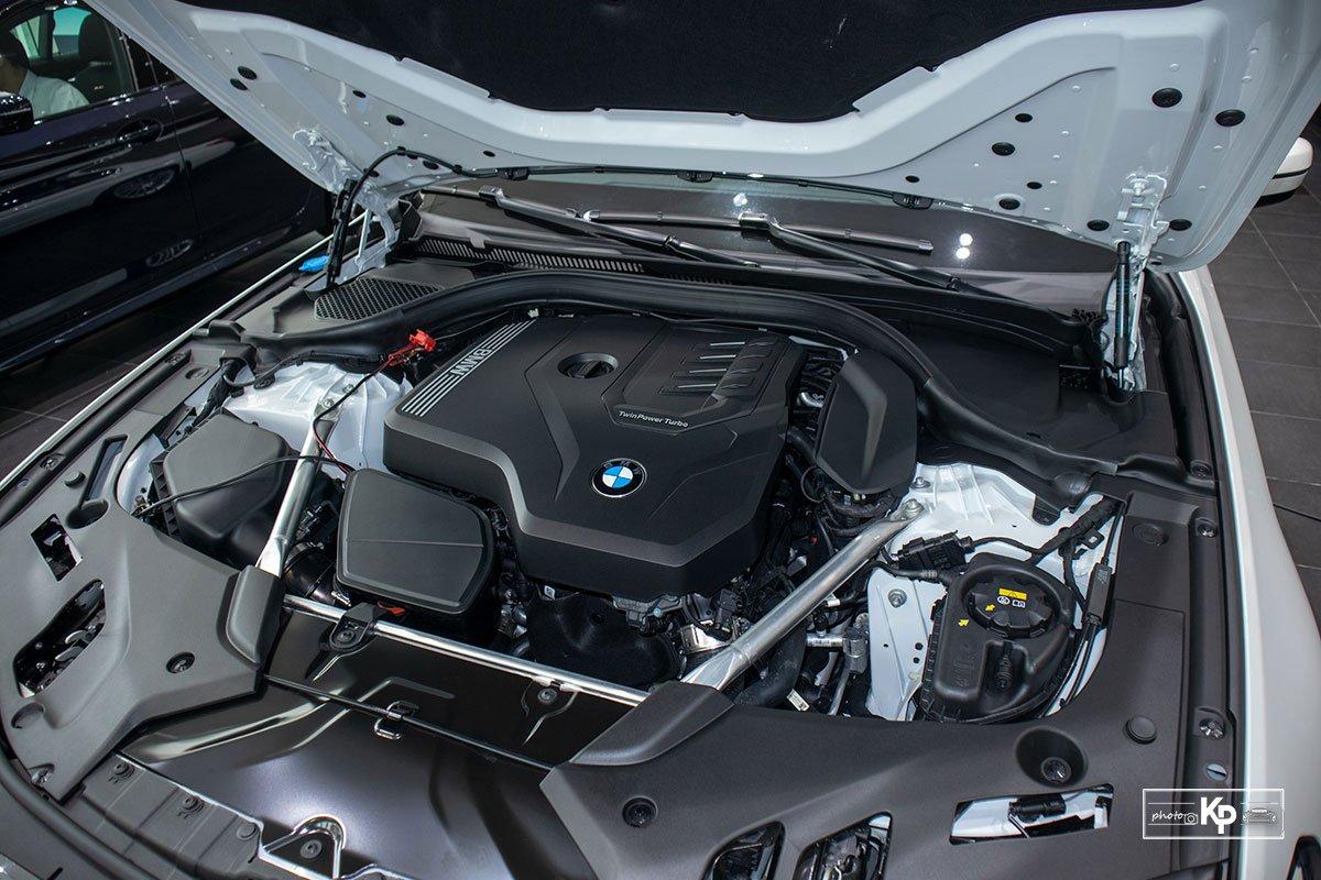 Chốt giá gần 2,5 tỷ đồng, BMW 520i Luxury 2021 có gì để đấu Mercedes-Benz E200 Exclusive a21