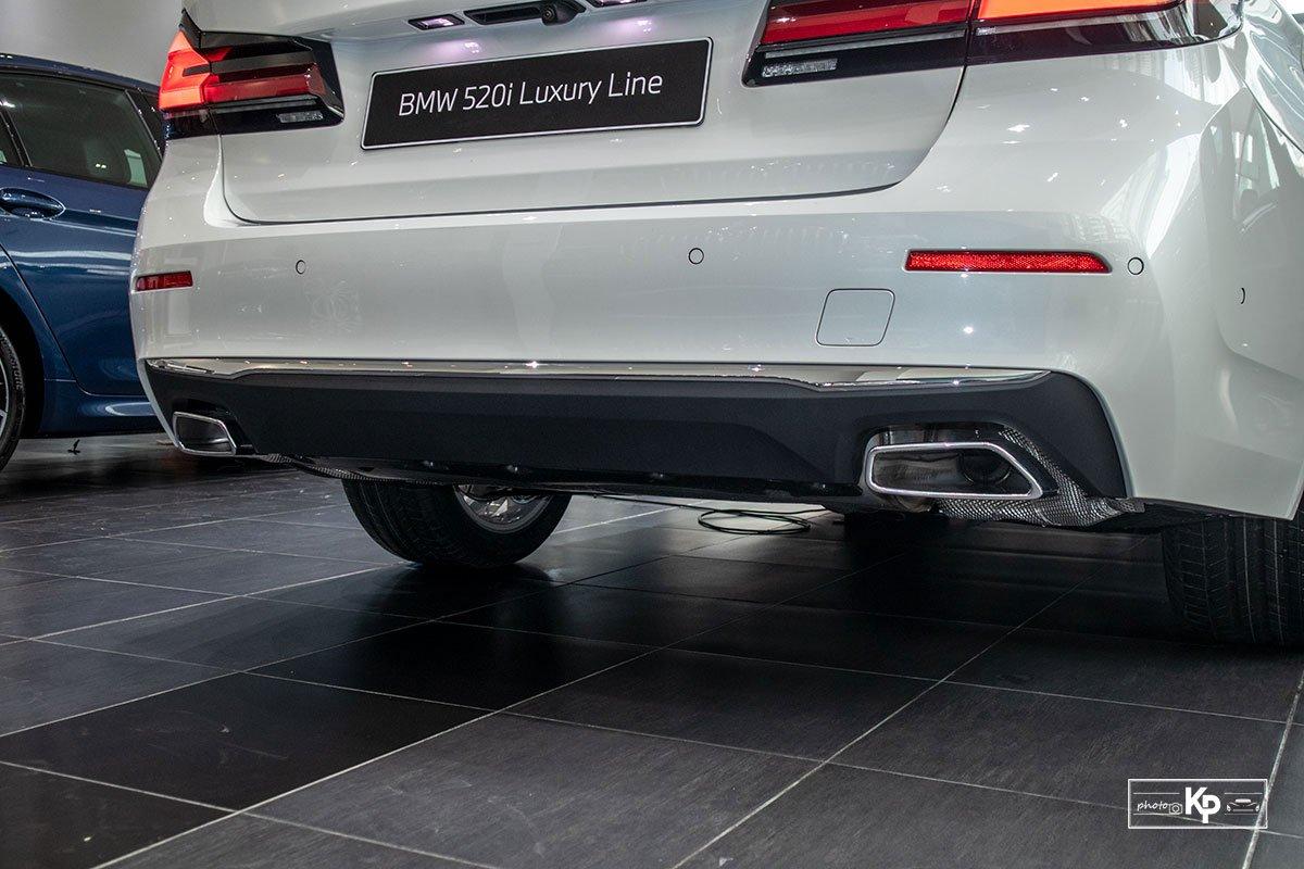 Chốt giá gần 2,5 tỷ đồng, BMW 520i Luxury 2021 có gì để đấu Mercedes-Benz E200 Exclusive a15