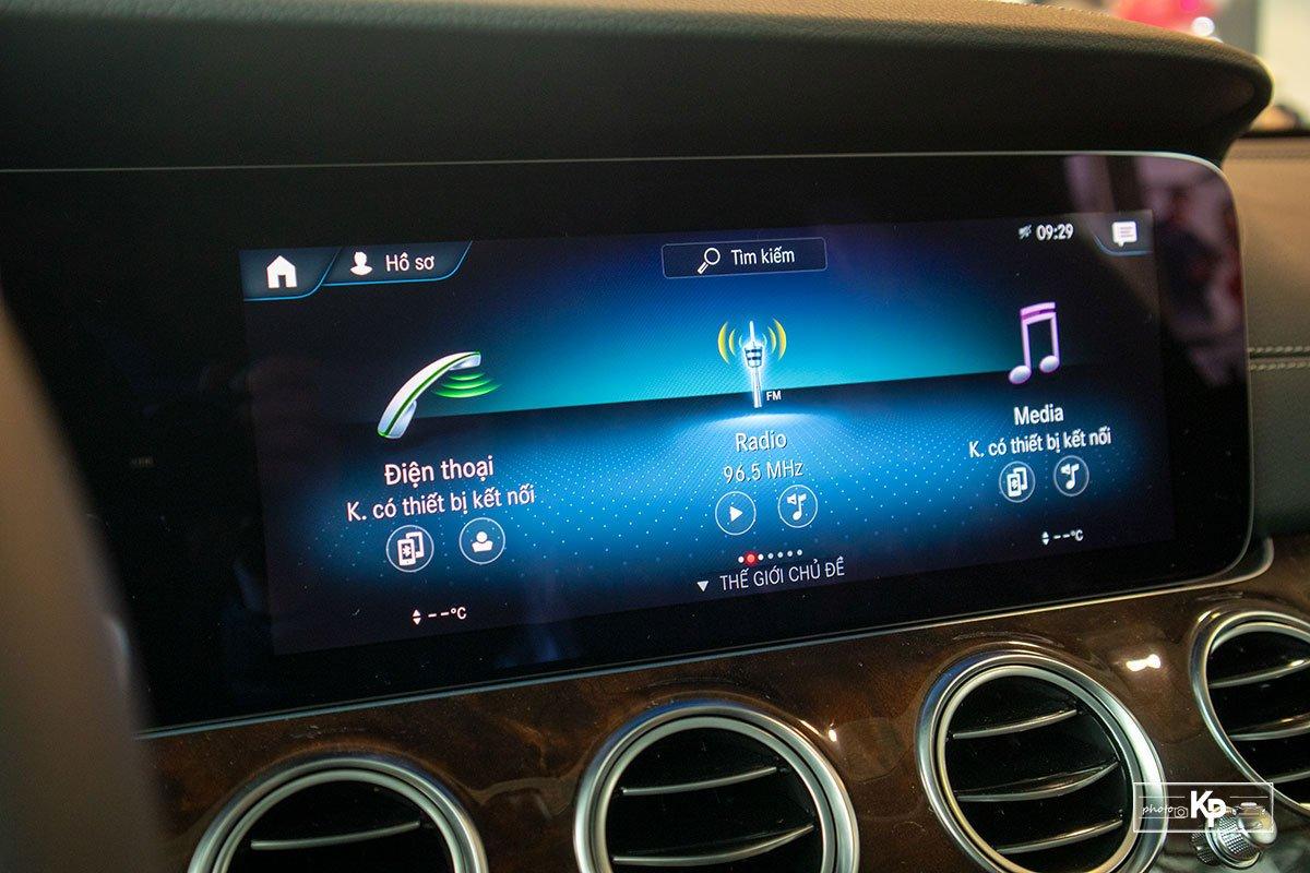 Mercedes-Benz E200 Exclusive 2021 giá hơn 2,3 tỷ đồng có gì đặc biệt? a18