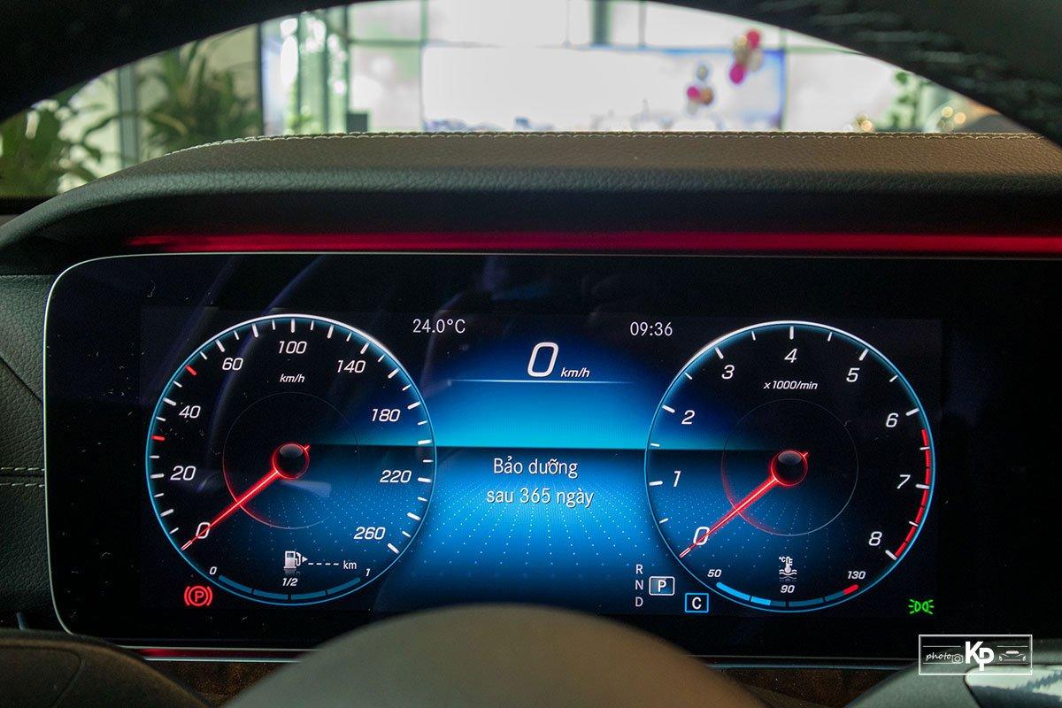 Mercedes-Benz E200 Exclusive 2021 giá hơn 2,3 tỷ đồng có gì đặc biệt? a3111