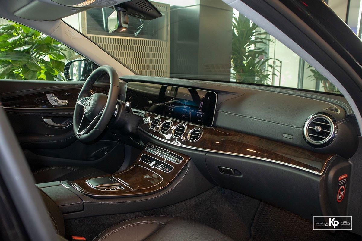 Mercedes-Benz E200 Exclusive 2021 giá hơn 2,3 tỷ đồng có gì đặc biệt? a14