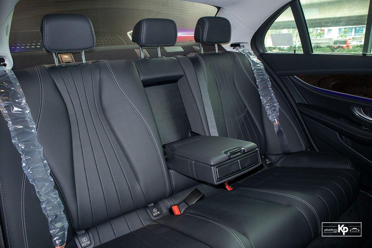 Mercedes-Benz E200 Exclusive 2021 giá hơn 2,3 tỷ đồng có gì đặc biệt? a23