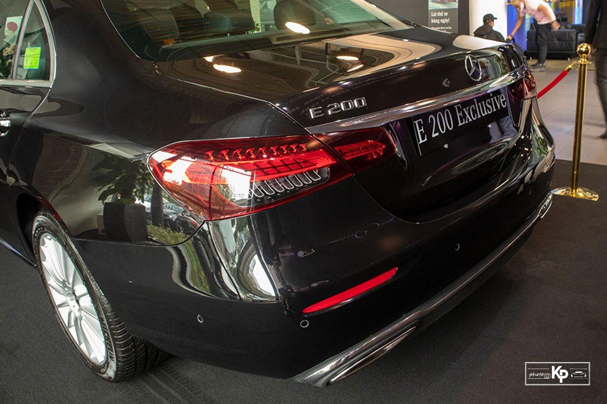Mercedes-Benz E200 Exclusive 2021 giá hơn 2,3 tỷ đồng có gì đặc biệt? a13