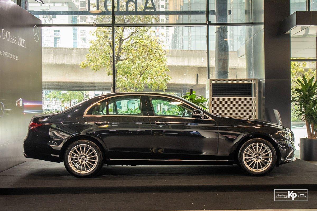 Mercedes-Benz E200 Exclusive1.