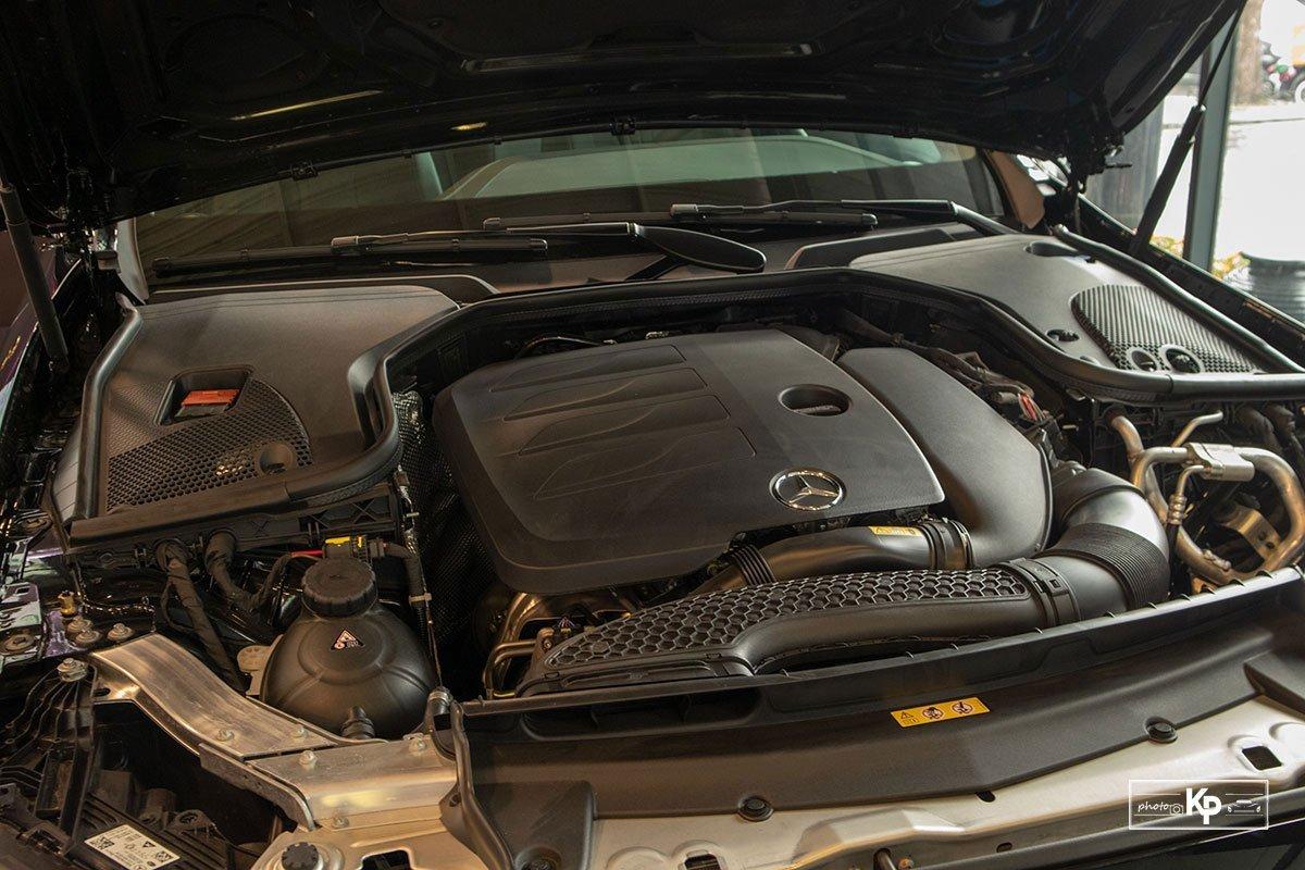 Động cơ Mercedes E200 Exclusive.