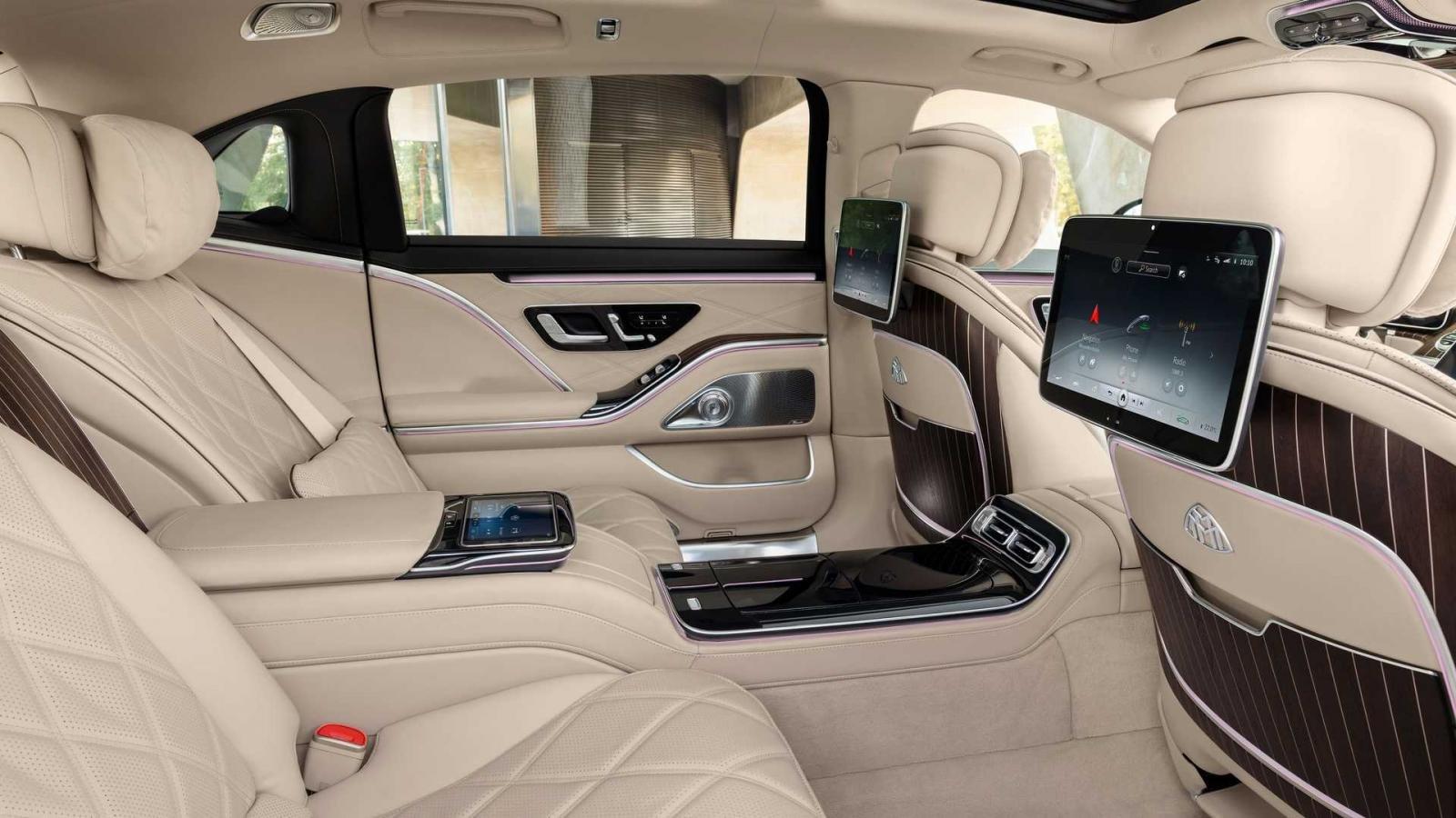 Mercedes-Maybach S680 2022 V12 sang trọng, hiện đại và quyền quý.
