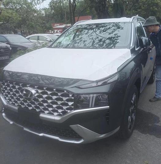 """Lộ ảnh """"trần trụi"""" nội, ngoại thất Hyundai Santa Fe 2021 sắp bán ở Việt Nam, giá dự kiến cao a1"""