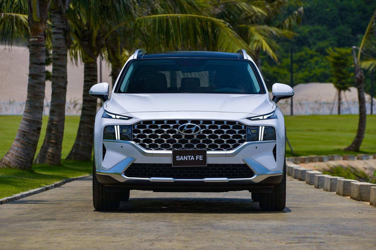 Soi những điểm nhấn đặc biệt trên Hyundai Santa Fe 2021 a2