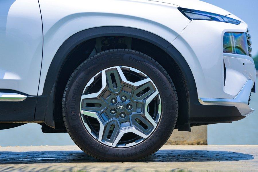 Soi những điểm nhấn đặc biệt trên Hyundai Santa Fe 2021 a5