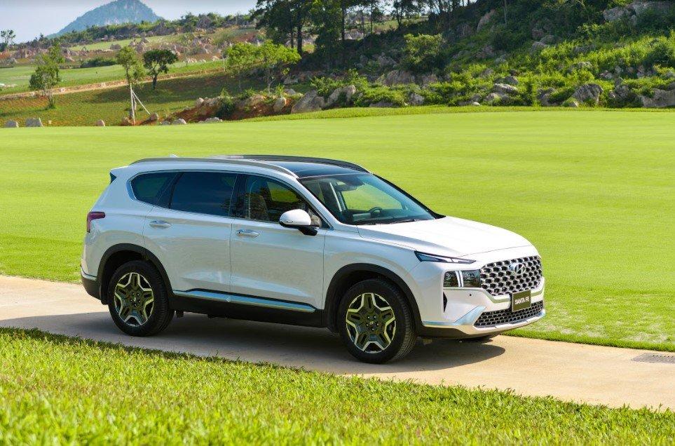 Giá lăn bánh Hyundai Santa Fe 2021 mới nhất - Ảnh 1.