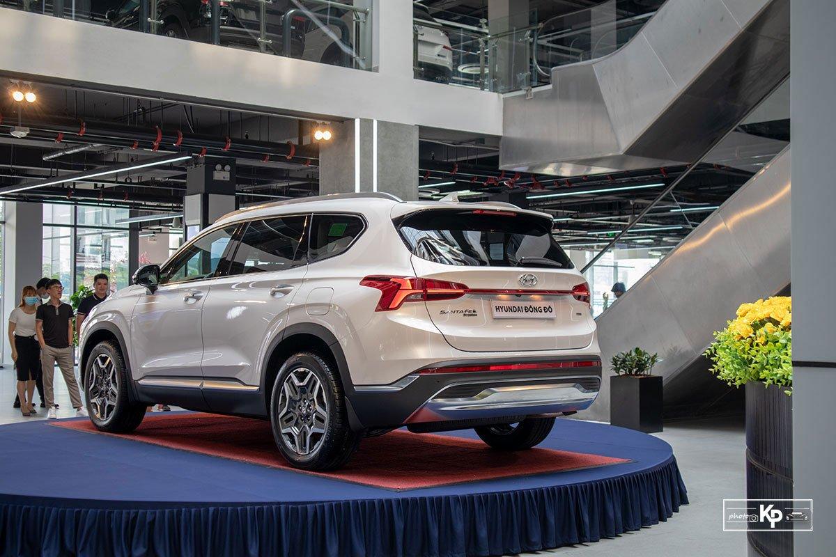 Ảnh Đuôi xe Hyundai Santa Fe 2021