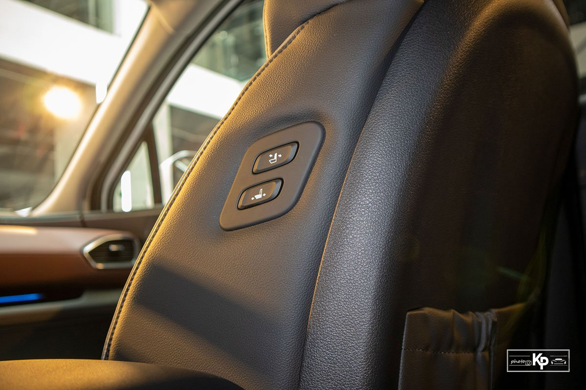 Ảnh Chỉnh ghế xe Hyundai Santa Fe 2021