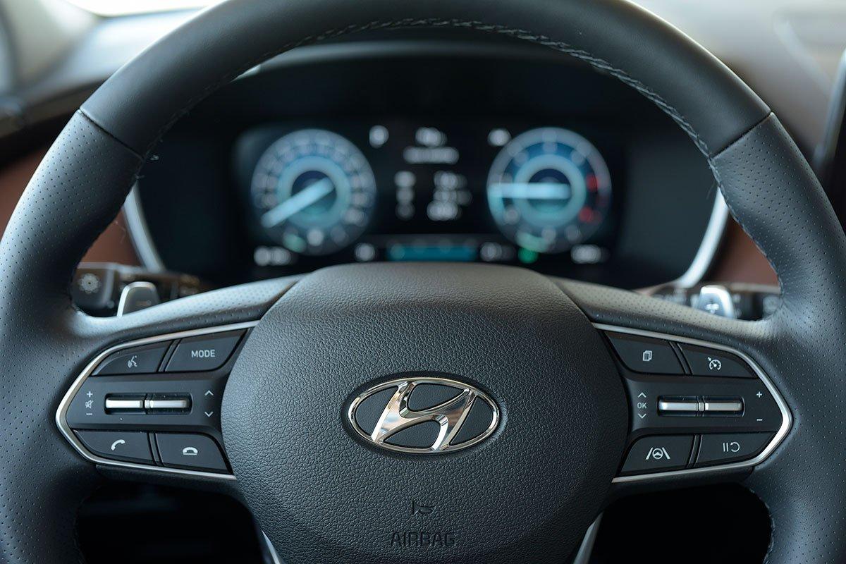 Chốt giá 1,340 tỷ đồng, Hyundai Santa Fe 2021 Dầu cao cấp có gì để cạnh tranh với Kia Sorento? a13
