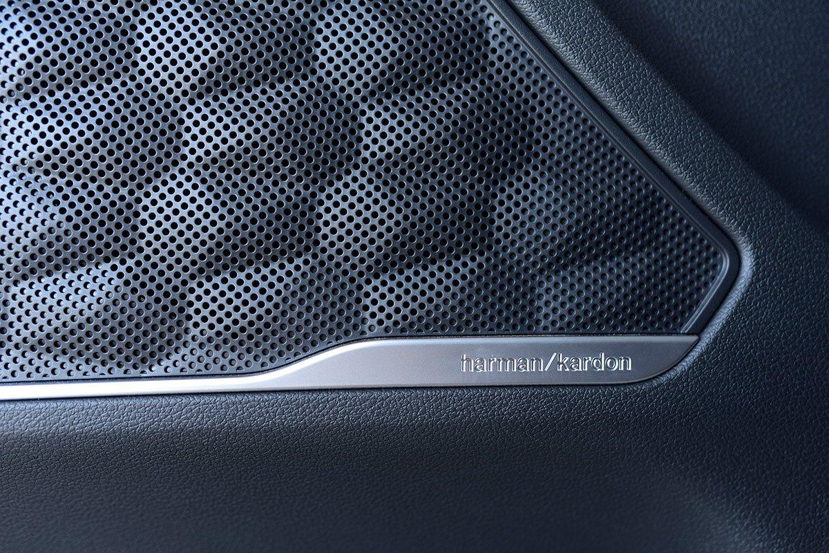 Chốt giá 1,340 tỷ đồng, Hyundai Santa Fe 2021 Dầu cao cấp có gì để cạnh tranh với Kia Sorento? a18