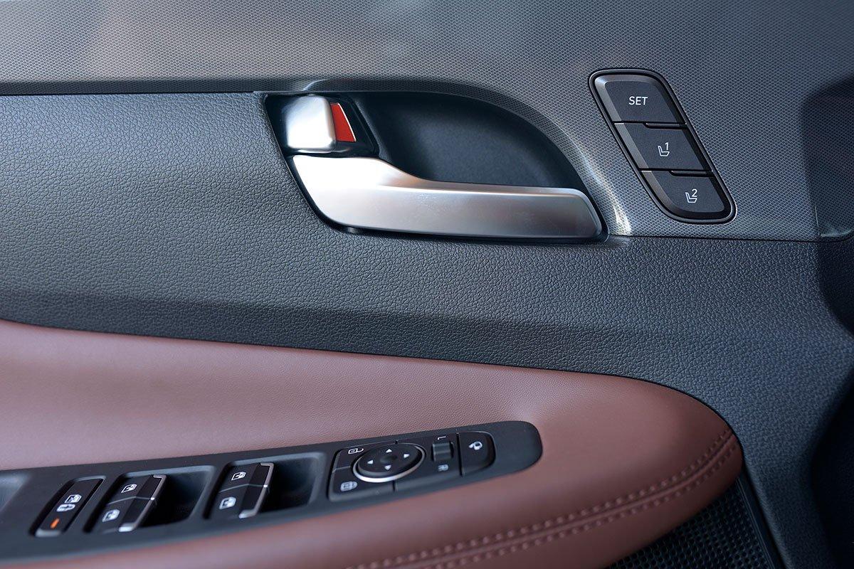 Chốt giá 1,340 tỷ đồng, Hyundai Santa Fe 2021 Dầu cao cấp có gì để cạnh tranh với Kia Sorento? a17