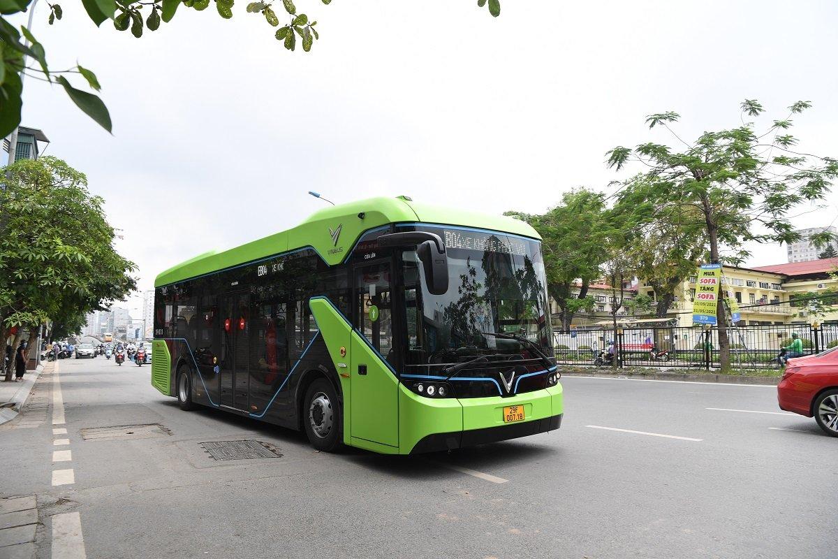 VinBus bắt đầu chạy thử nghiệm xe buýt điện tại 3 tuyến nội đô Hà Nội 1