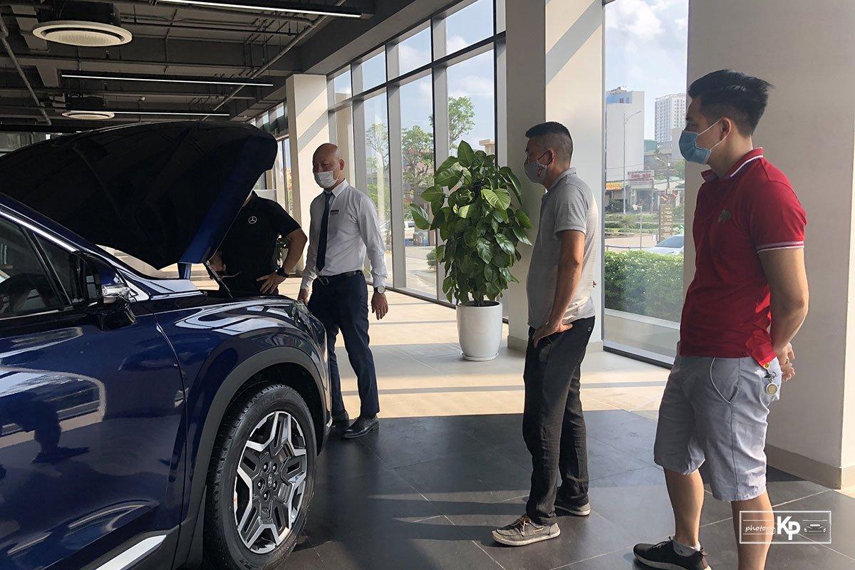 """Hyundai Santa Fe 2021 về đại lý, khách kéo đến """"sờ"""" đông kín, chốt đơn liên tục khi được lái thử a7"""