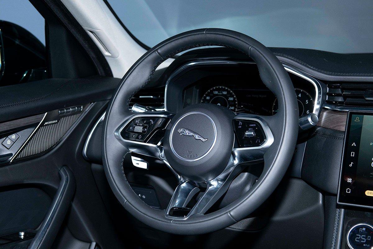 Jaguar XF và Jaguar F-Pace 2021 ra mắt, sẵn sàng đến tay khách hàng Việt a151