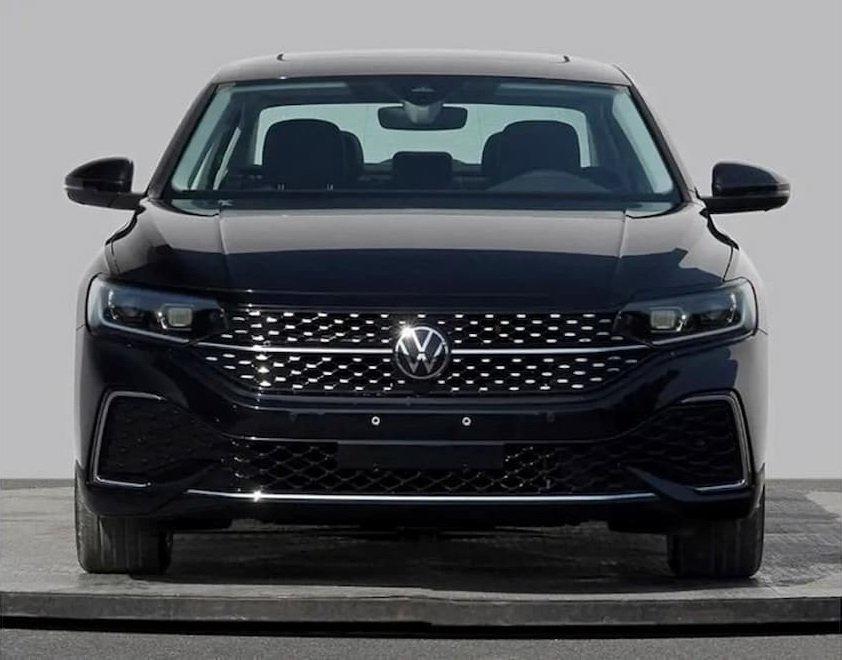 Volkswagen Passat 2022 cập nhật mới bắt mắt hơn.