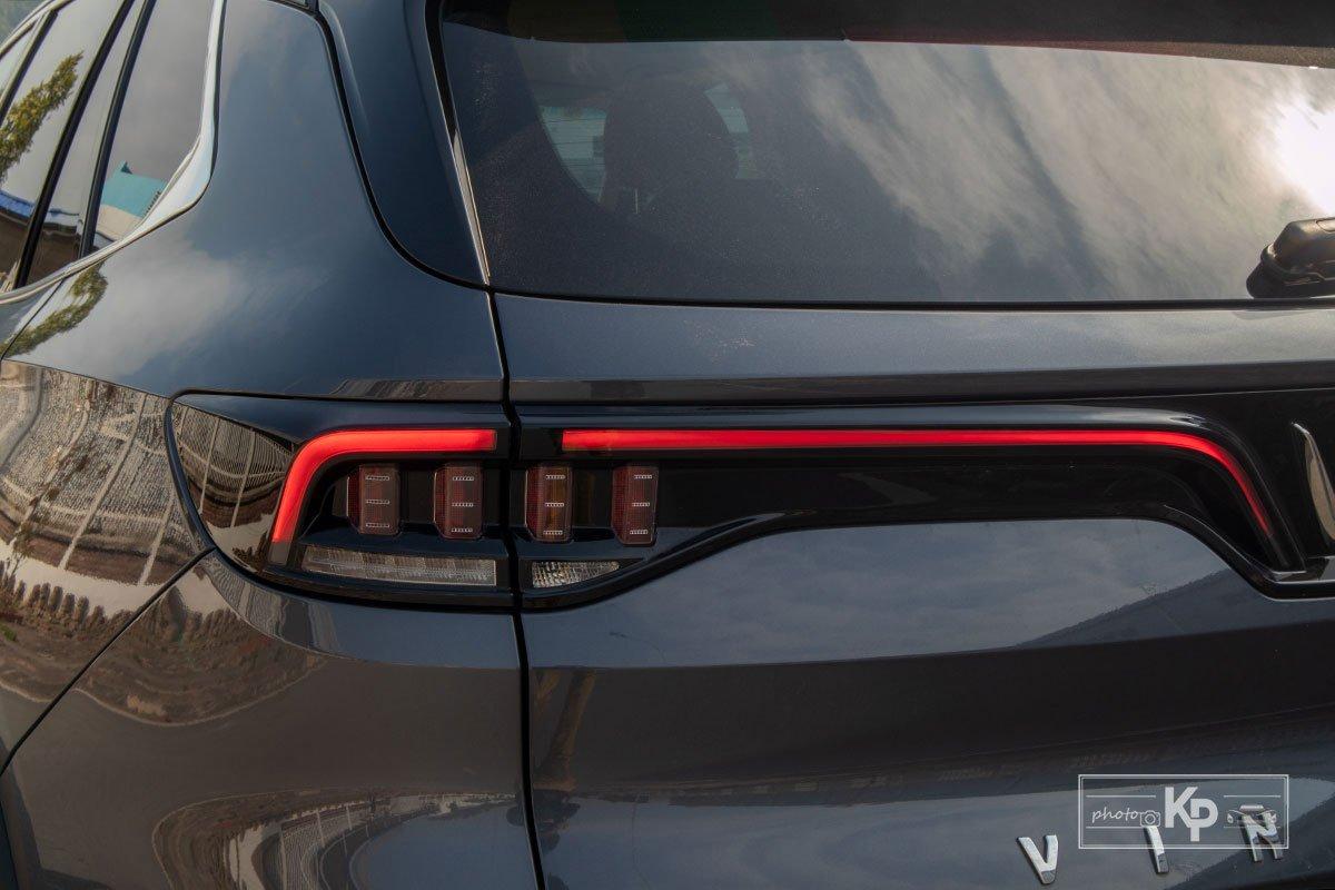 Ảnh Đèn hậu xe VinFast Lux SA2.0 2021