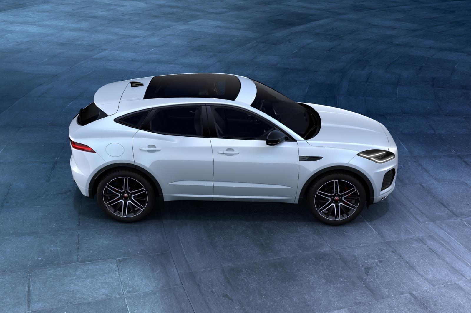 Jaguar E-Pace 2021 R-Dynamic Black Edition cực kỳ hấp dẫn.
