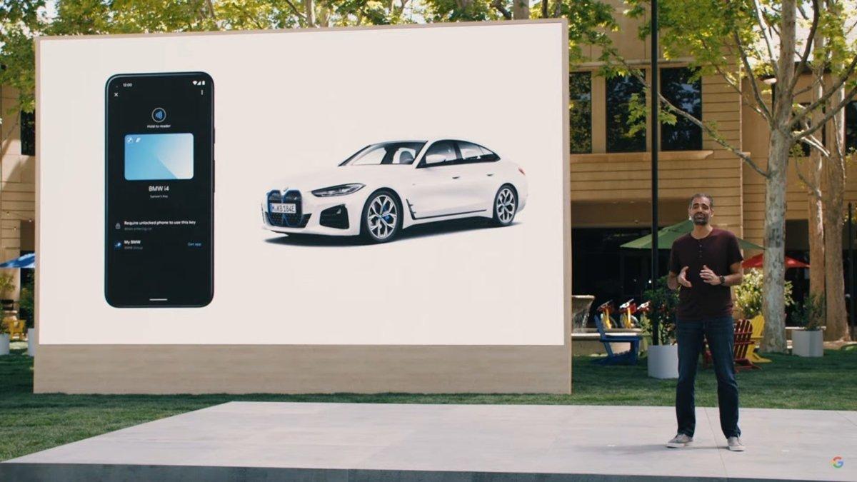 Với điện thoại có hệ điều hành Android 12, khách hàng có thể mở khóa và khởi động xe bằng smartphone.
