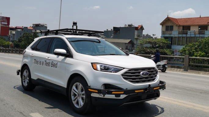 Ford Edge 2021 bị bắt gặp chạy thử tại Việt Nam.