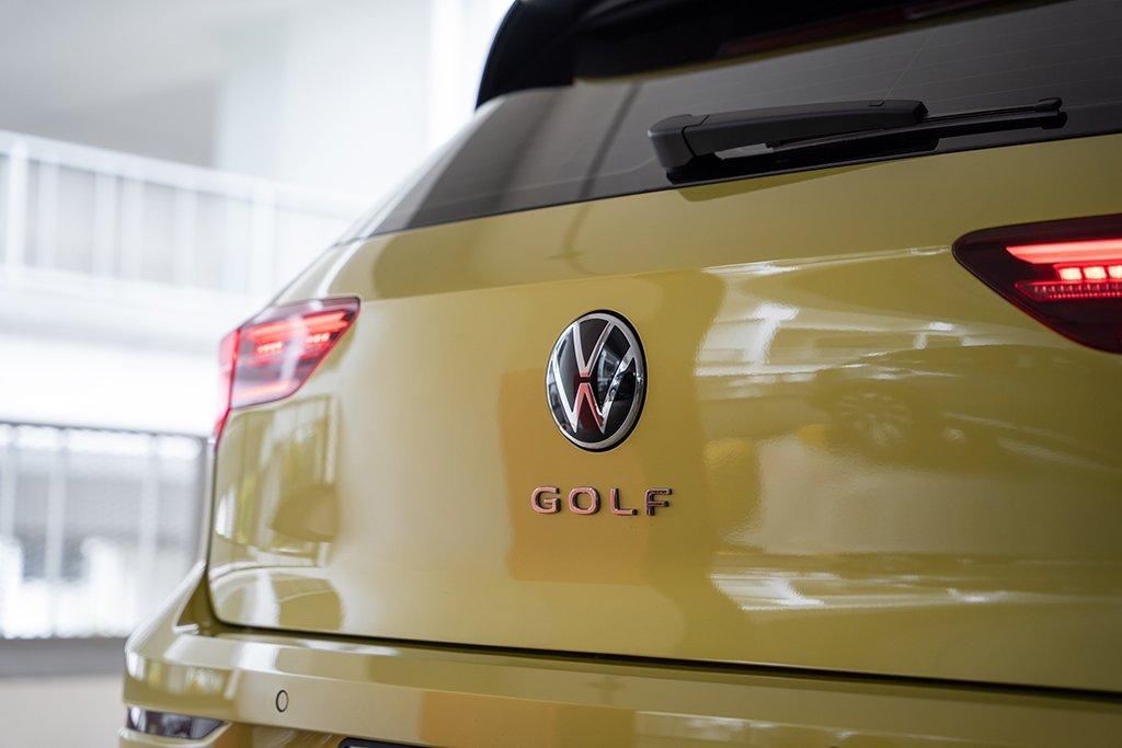 Volkswagen Golf thế hệ mới hiện đại và thân thiện môi trường hơn.