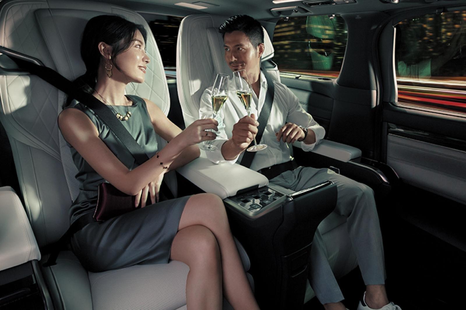 Thông số kỹ thuật xe Lexus LM 350 2021: Sang trọng, đẳng cấp a3