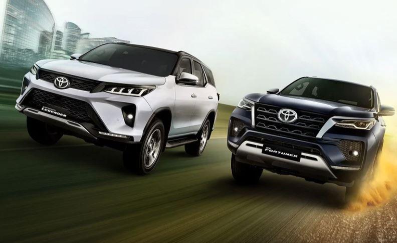 """Toyota Fortuner 2021 Facelift """"full đen"""" lần đầu lộ diện - Ảnh 2."""