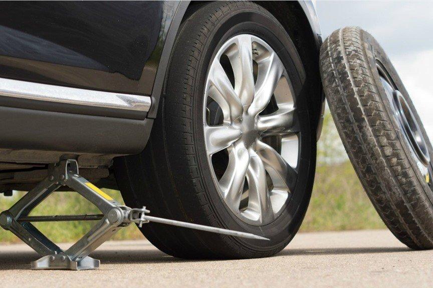 Kỹ thuật sửa xe ô tô cơ bản – lái mới học ngay để yên tâm vượt đường dài