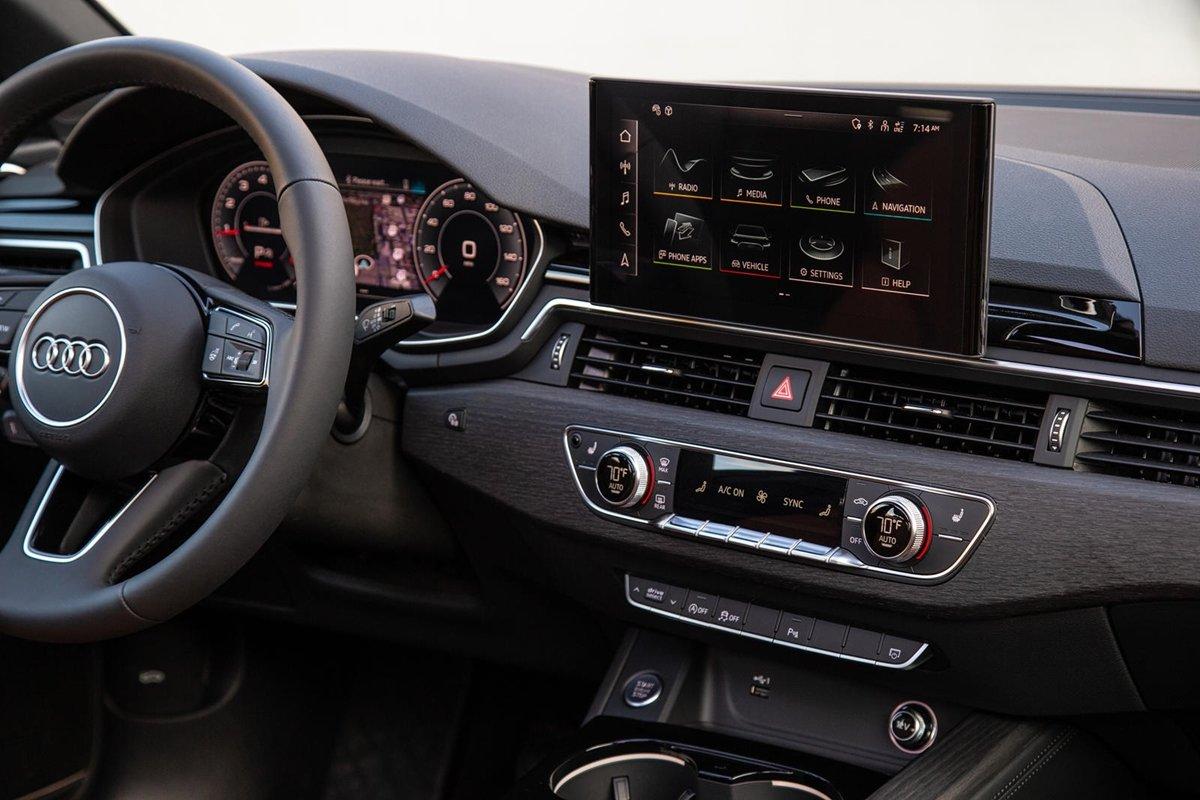 Hệ thống MMI Navigation plus có sẵn trên các mẫu xe đời 2022.