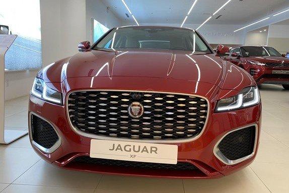 Jaguar XF 2021 sử dụng động cơxăng Ingenium I-4 2.0 a1