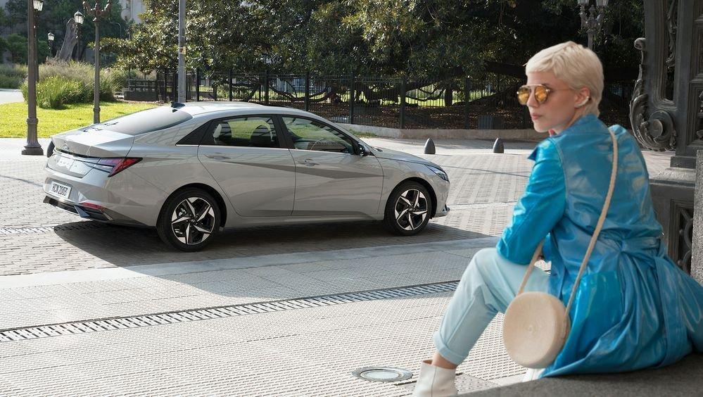 Hyundai Elantra 2021 bản mới giá hấp dẫn hơn.