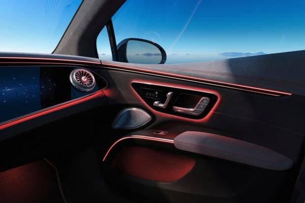 Các tính năng, công nghệ đỉnh cao của Mercedes-Benz EQS mang đến sự tiện nghi tuyệt đối.
