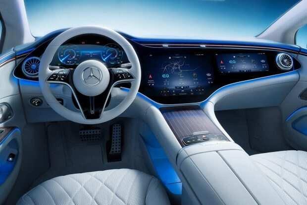 Mercedes-Benz EQS sở hữu các tính năng tiện lợi, thông minh.