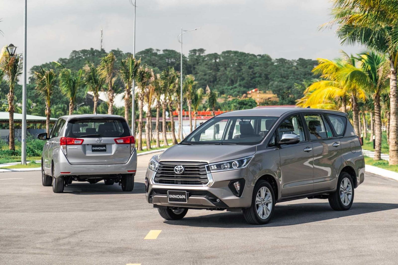 Giá xe Toyota Innova cập nhật mới.