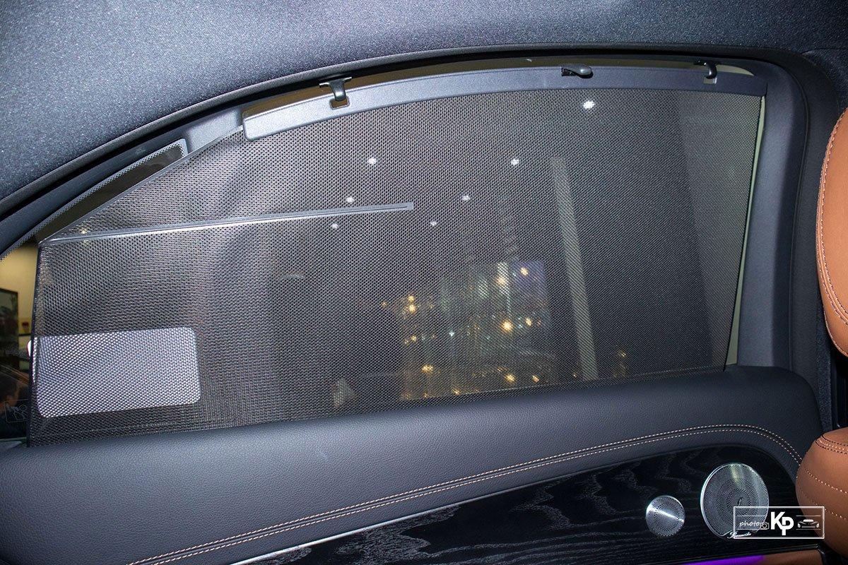 Rẻ hơn BMW 530i M-Sport 300 triệu đồng, Mercedes-Benz E300 AMG 2021 có gì hấp dẫn? a32