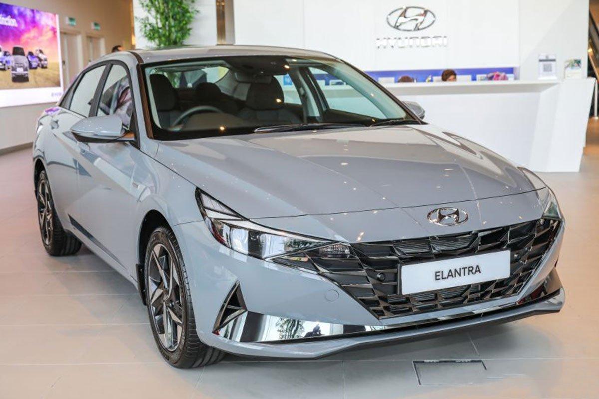 """Ngắm Hyundai Elantra 2021 """"bằng xương, bằng thịt"""" tại đại lý, đối thủ lớn của Cerato, Mazda 3 a1"""