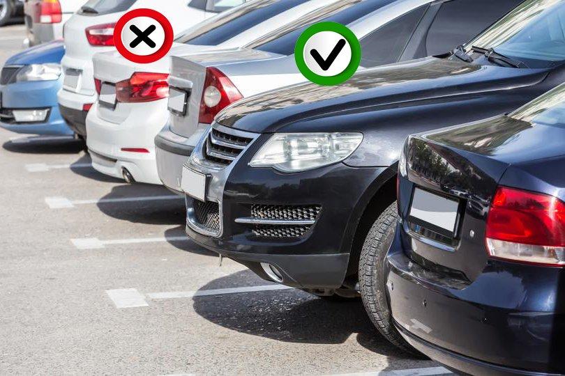 Khi đỗ xe, hướng đầu xe ra ngoài là đúngb