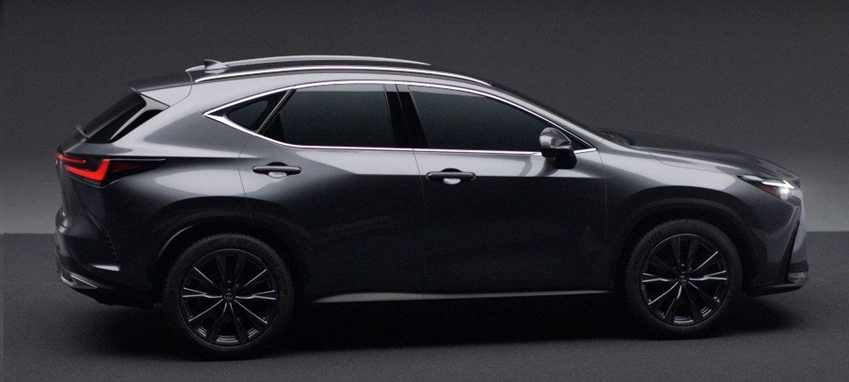 Lexus NX sẽ có phiên bản thể thao với các đường viền đen đặc trưng trên thân xe.