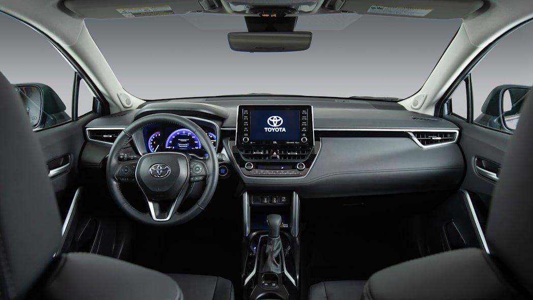 Toyota Corolla Cross 2022 mới mạnh mẽ, đa dụng và tiết kiệm nhiên liệu.
