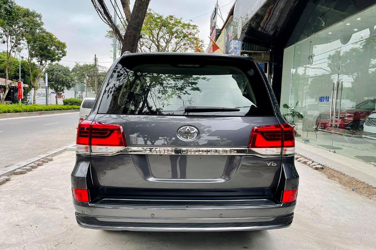 Sắp ra mắt thế hệ mới, chiếc Toyota Land Cruiser 2021 màu độc cuối cùng về Việt Nam tìm chủ 3