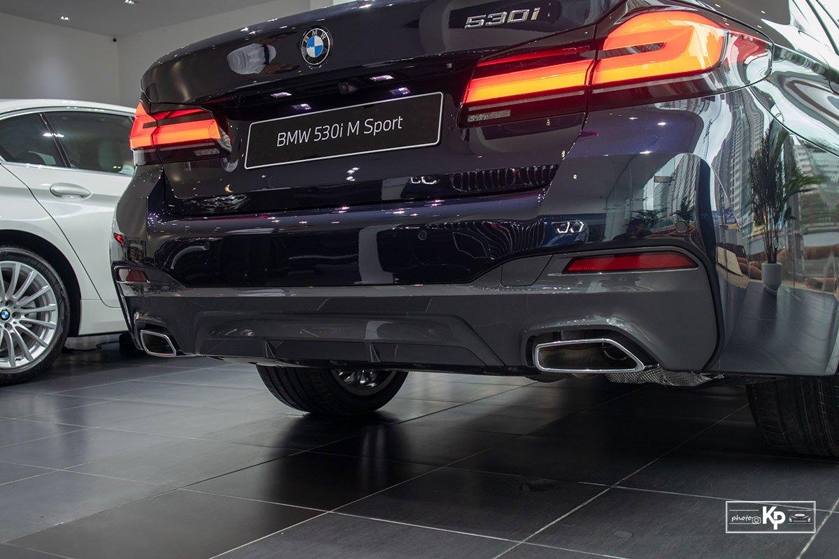 Ảnh thực tế BMW 530i M-Sport 2021 tại đại lý Việt Nam, giá gần 3,3 tỷ đồng a13