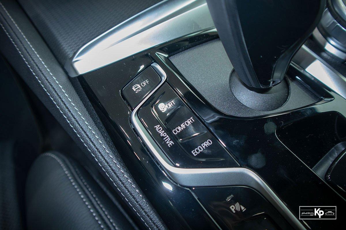 Ảnh thực tế BMW 530i M-Sport 2021 tại đại lý Việt Nam, giá gần 3,3 tỷ đồng a28